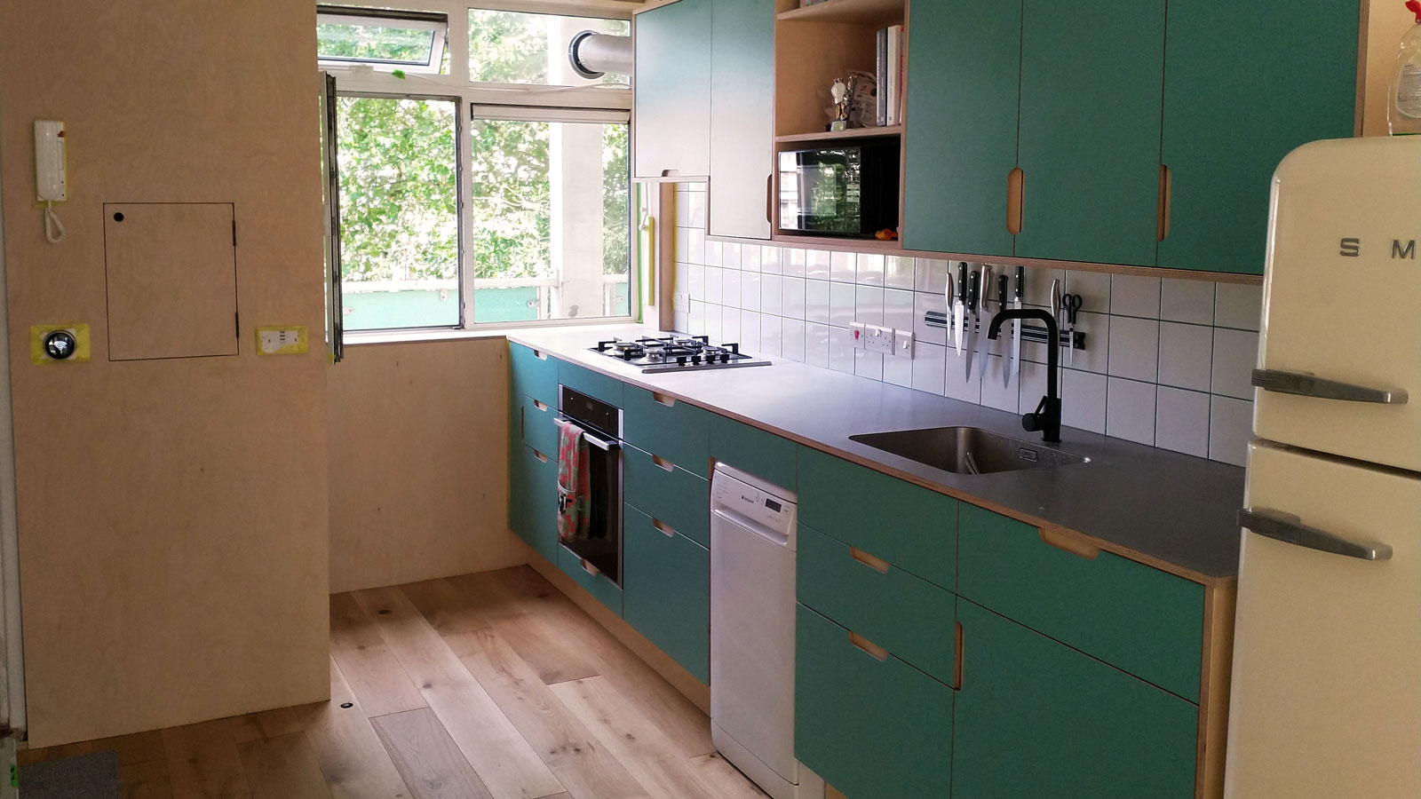 Kitchen refurbishment by Salmon Building