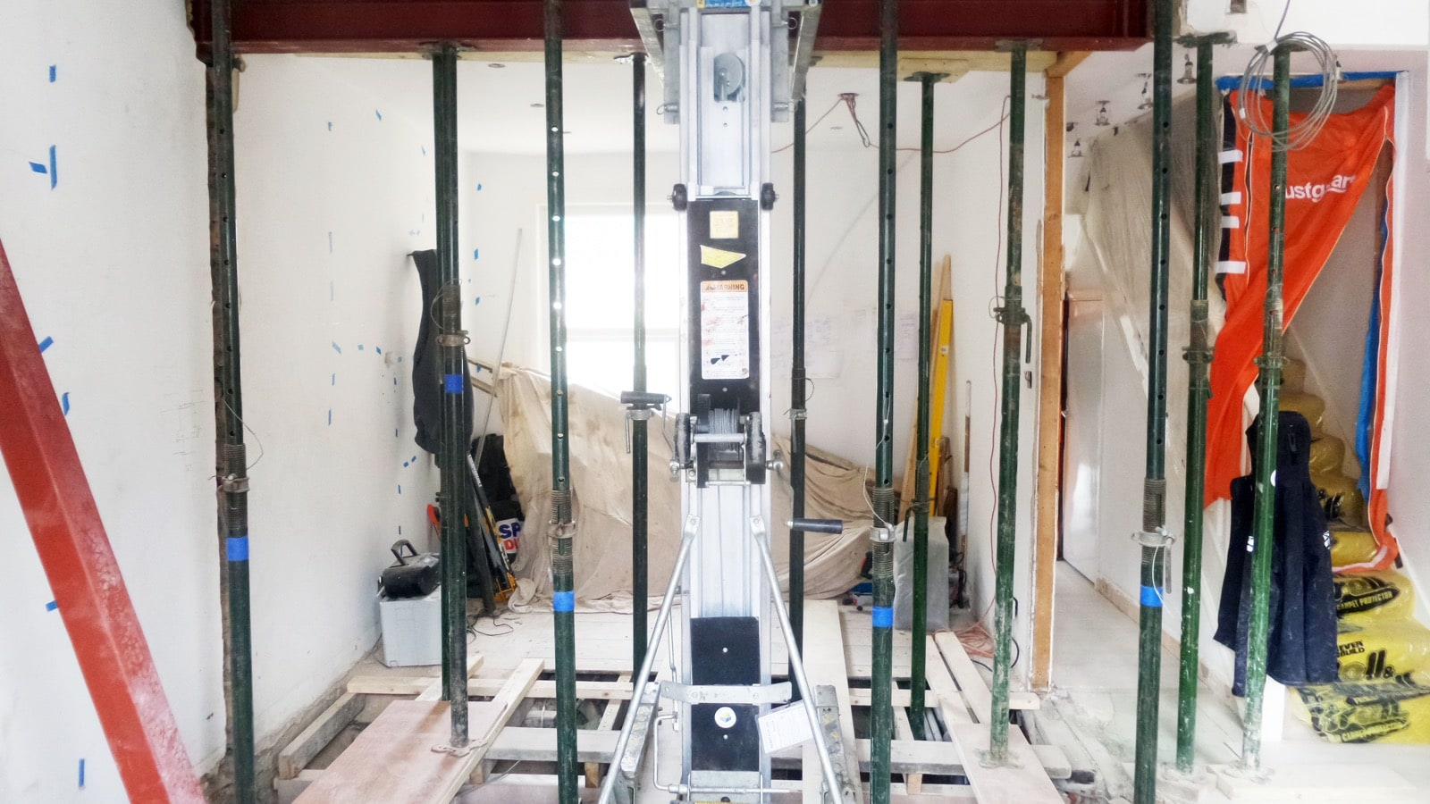 Installing structural steels in E12